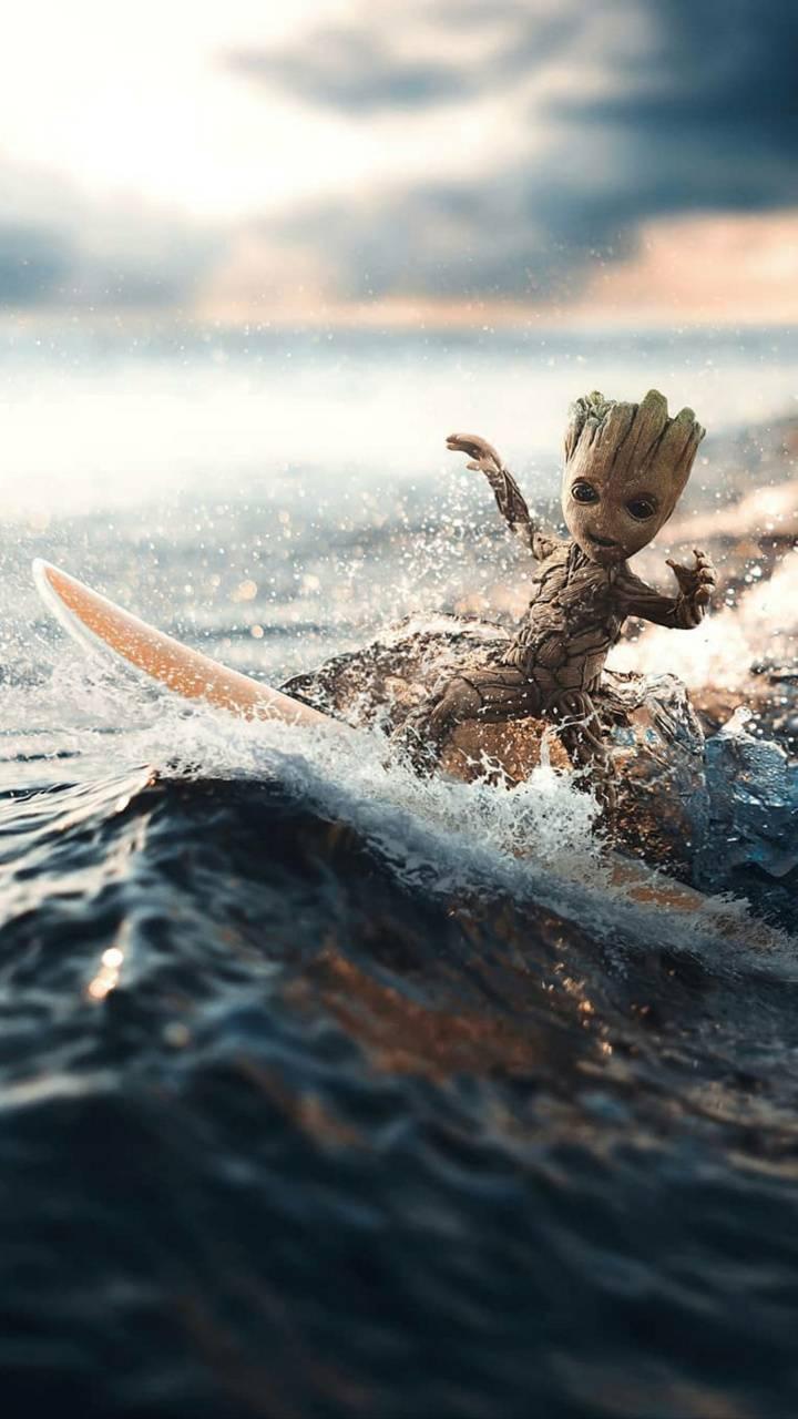 Baby Groot Surf