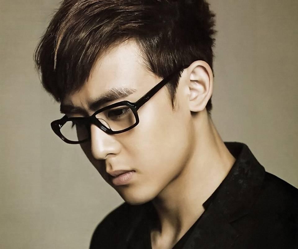 картинки парень в очках японец нашем сайте найдете