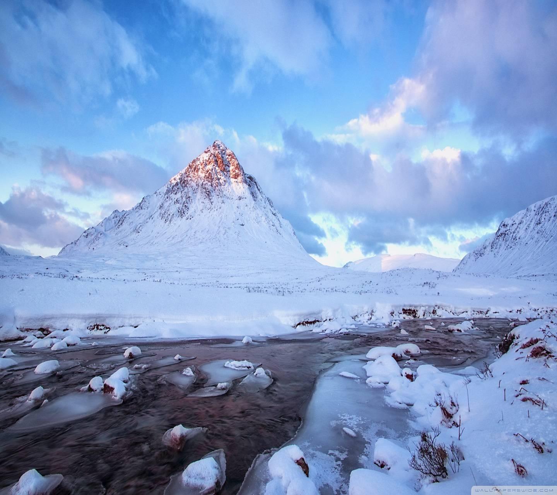 Mountain Ladascape