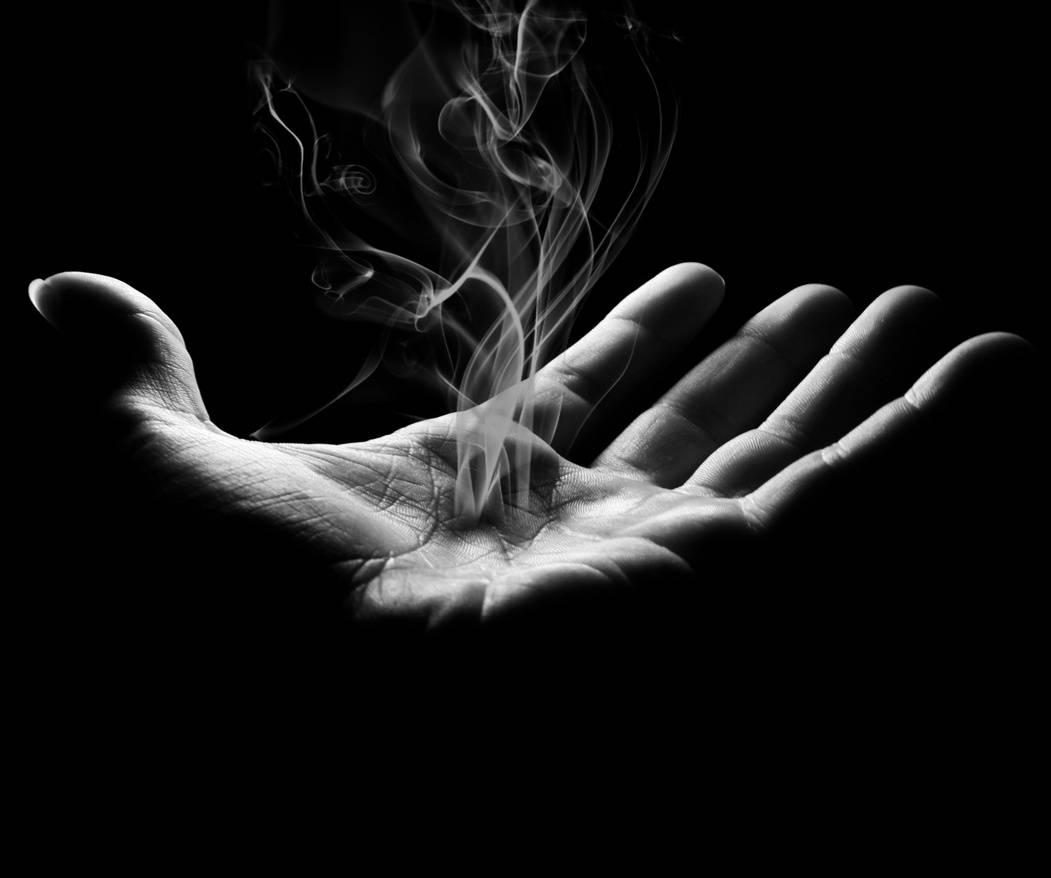 Smoking Hand Hd