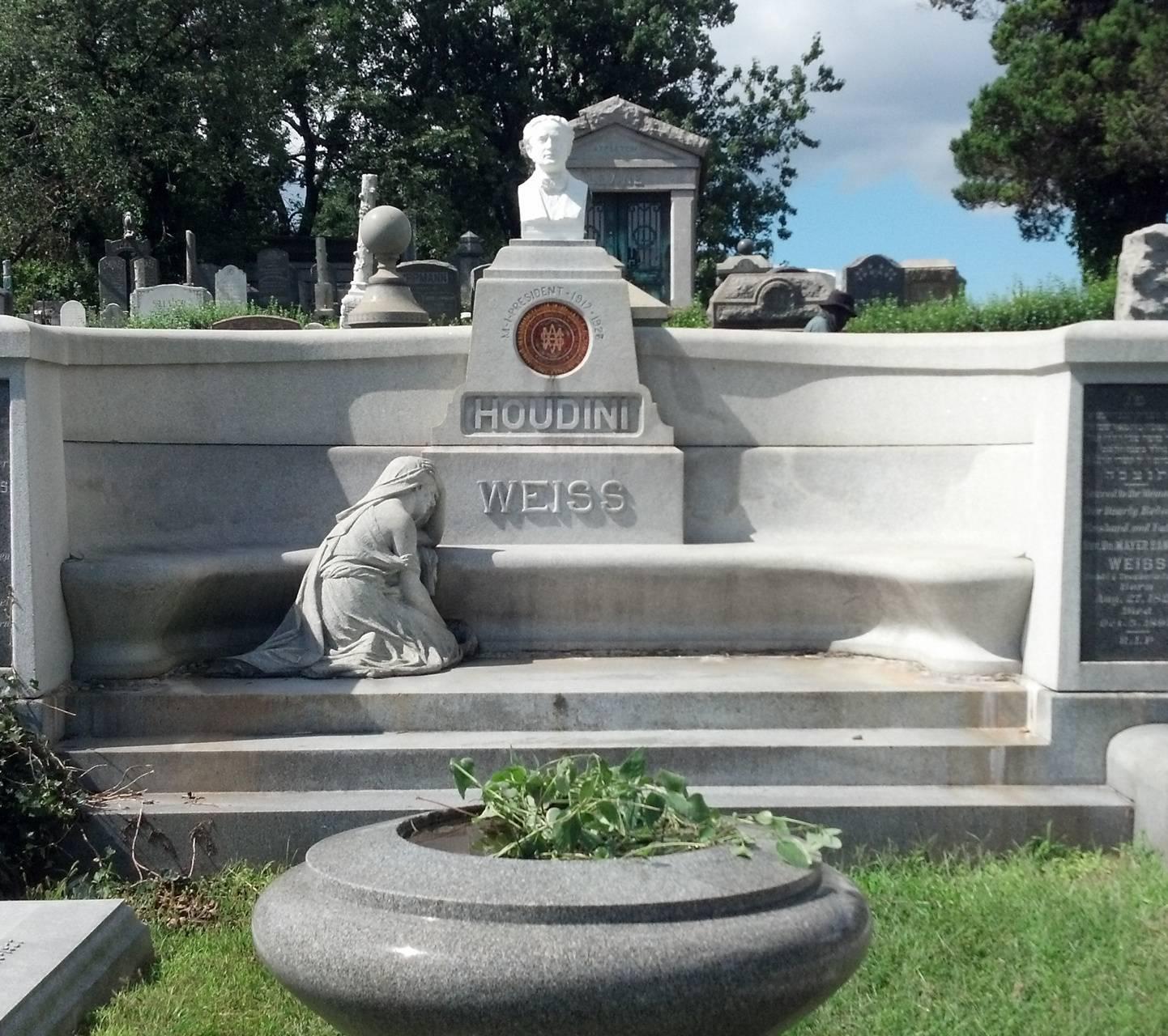 Houdinis Grave