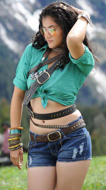 Taapsee Pannu Hot