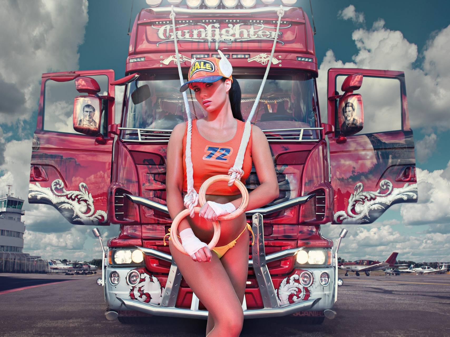 Naked truck girls