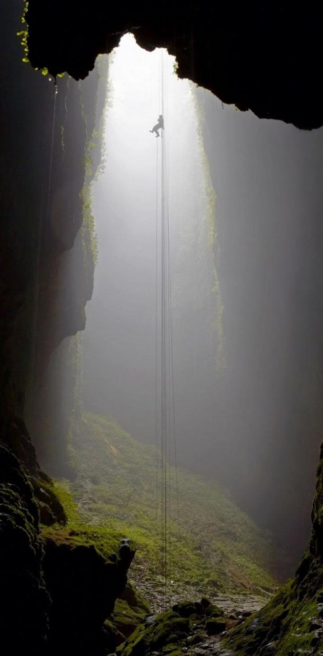 Descendig Into Cave