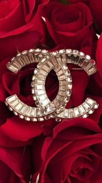 Chanel logo red