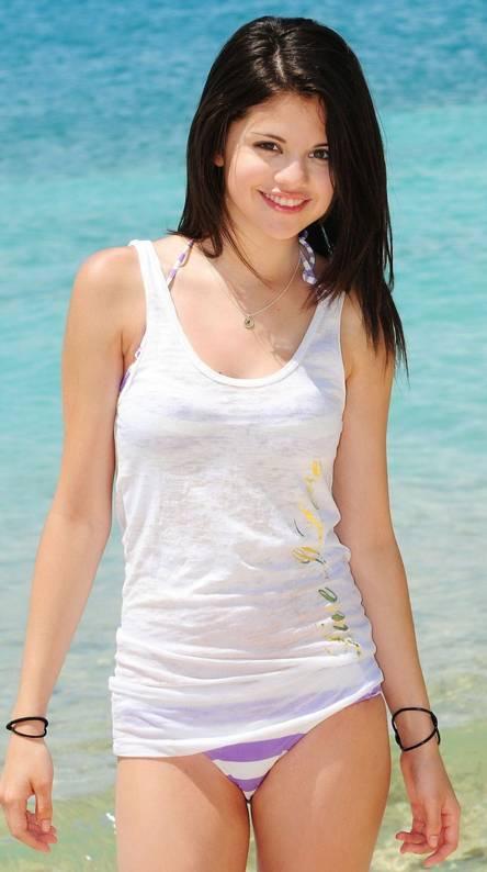 Hot Selena
