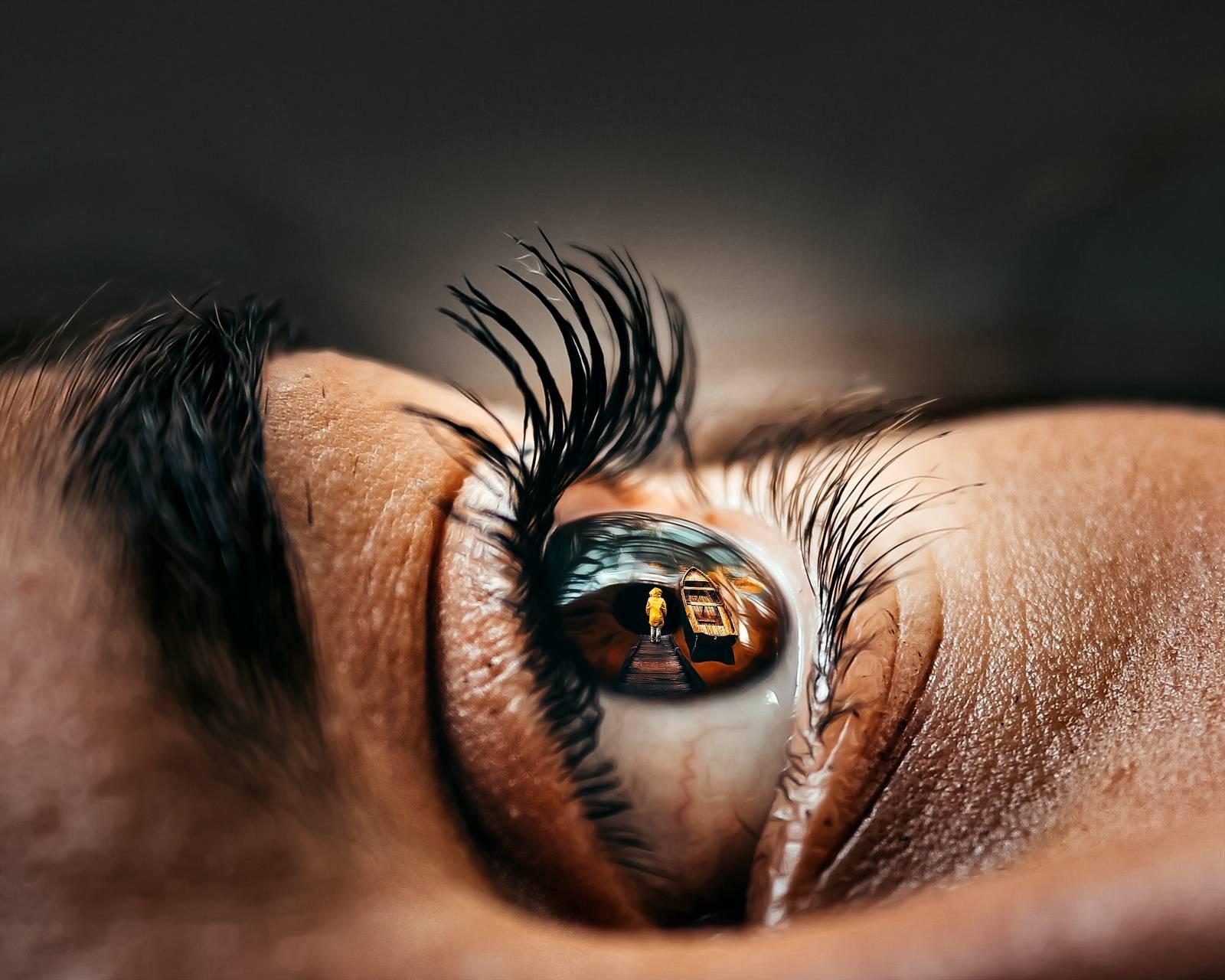 Feeling eye