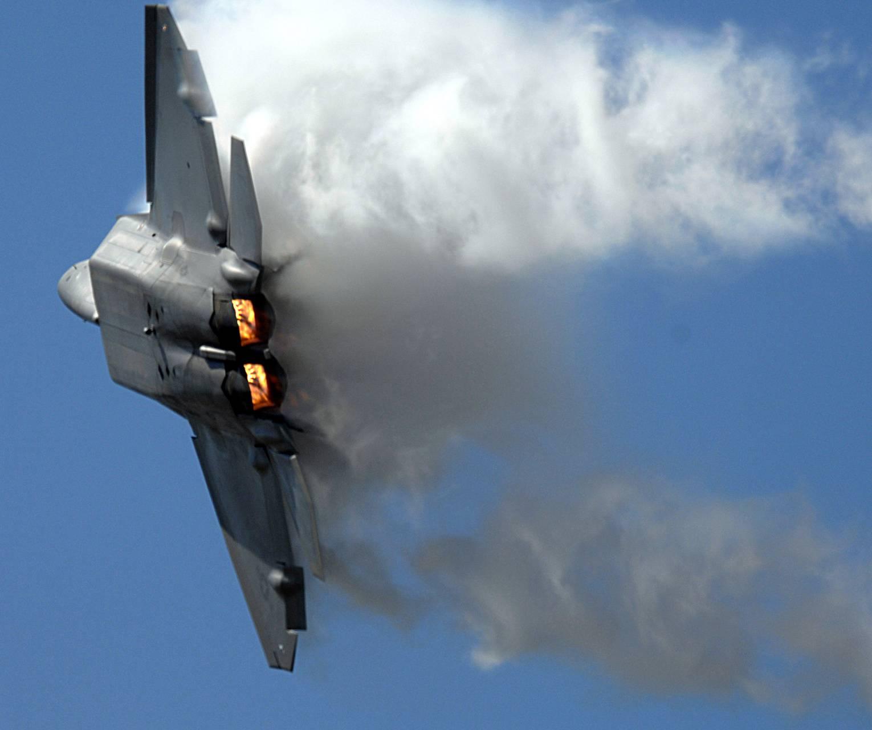 F-22 Turn
