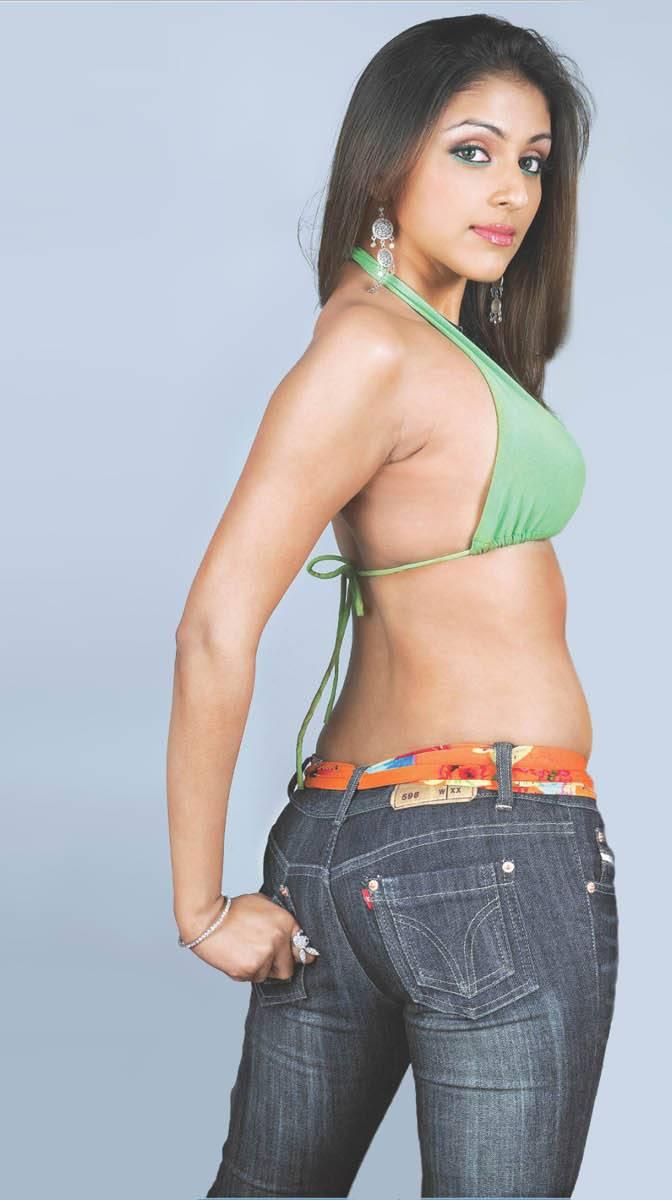 Aarti Hot