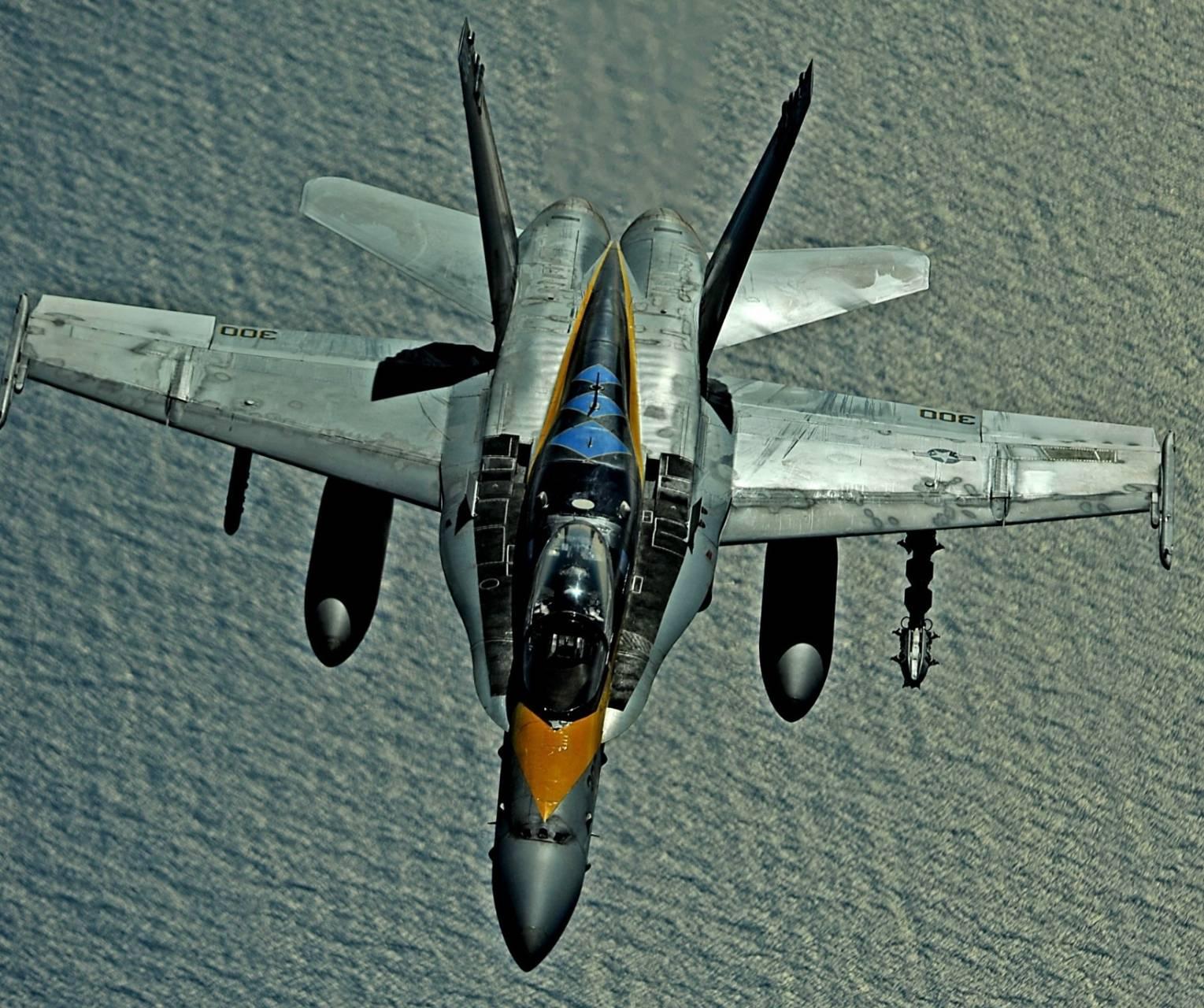 Hornet F18