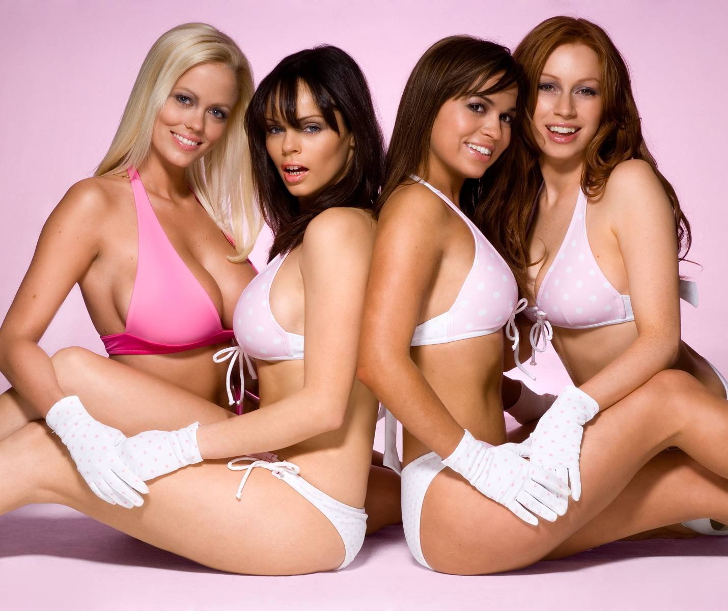 Group of hot girls — 5