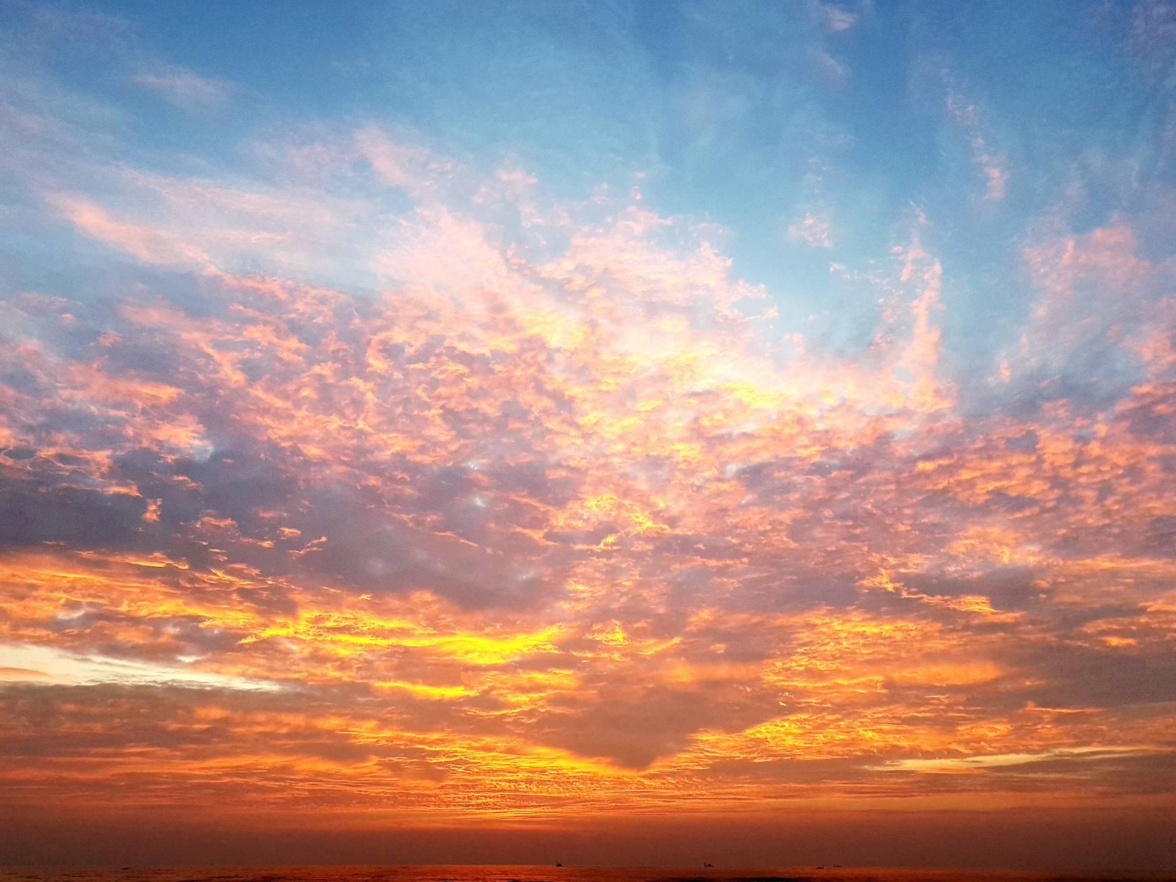 Beach sunset clouds