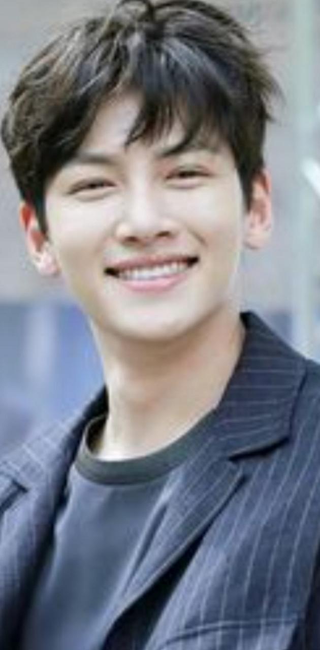 Ji Jan Wook smiling