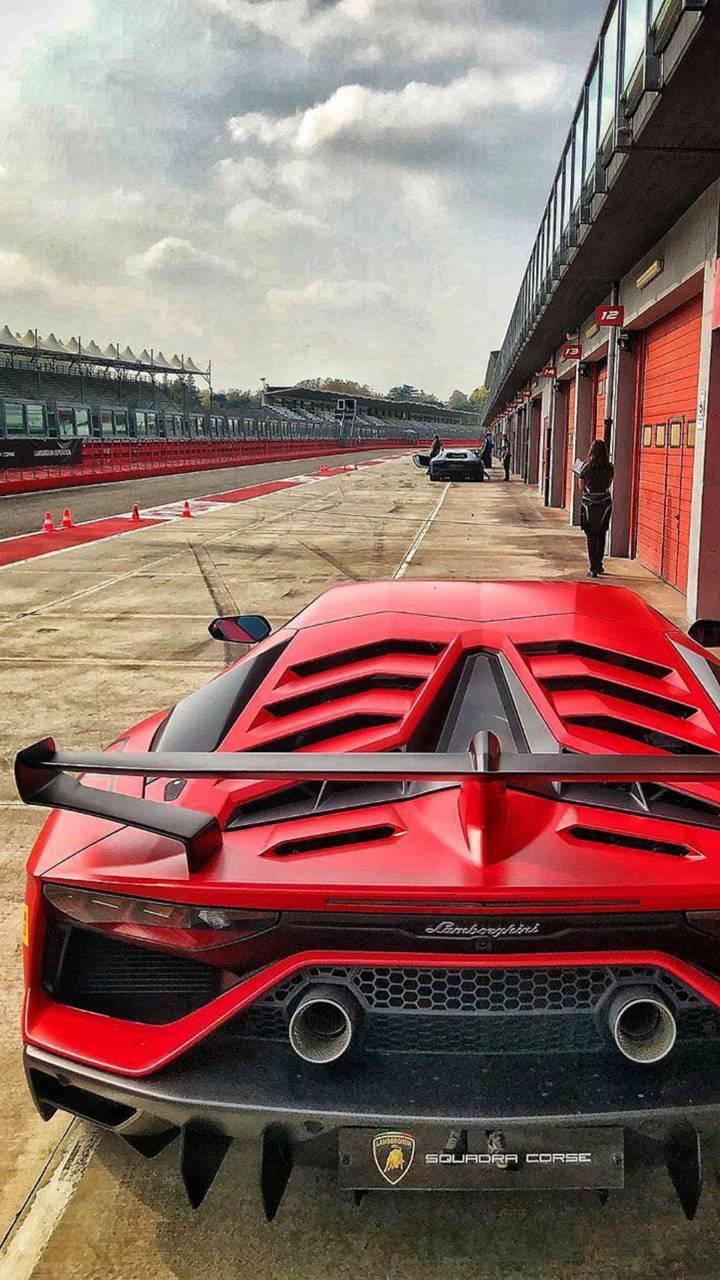 Red Aventador SVJ