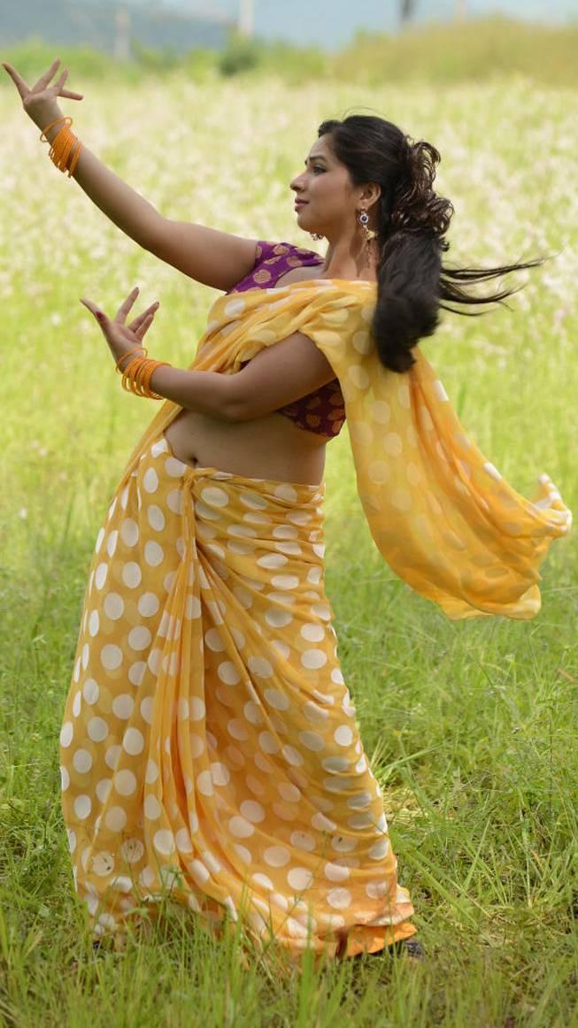 Hot Saree Navel
