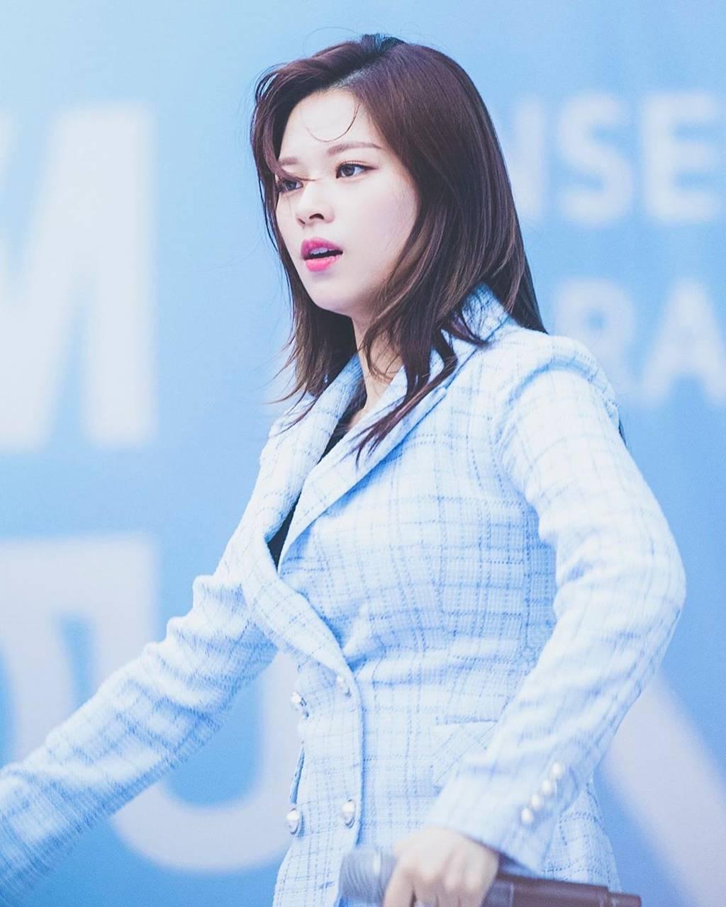 Jeongyeon4
