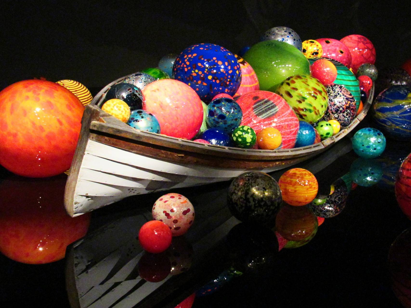 Chihuly boat 2
