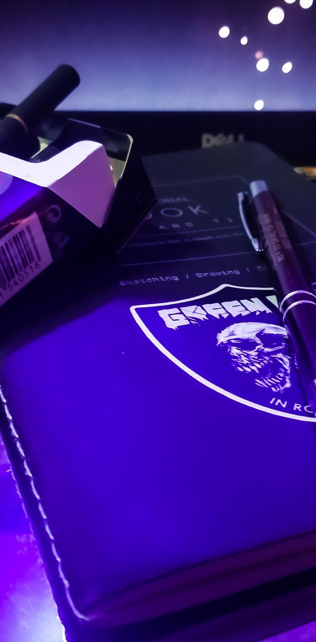 B-Cigarette and Note