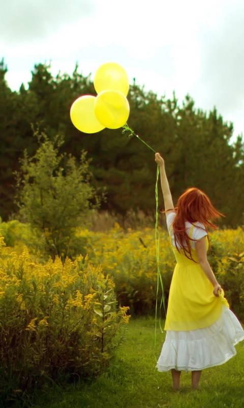 girl with baloon
