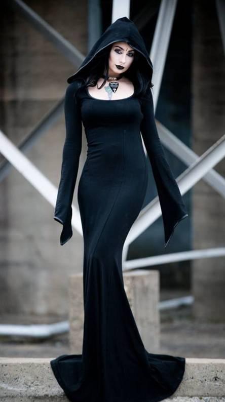 Elegant cosplay