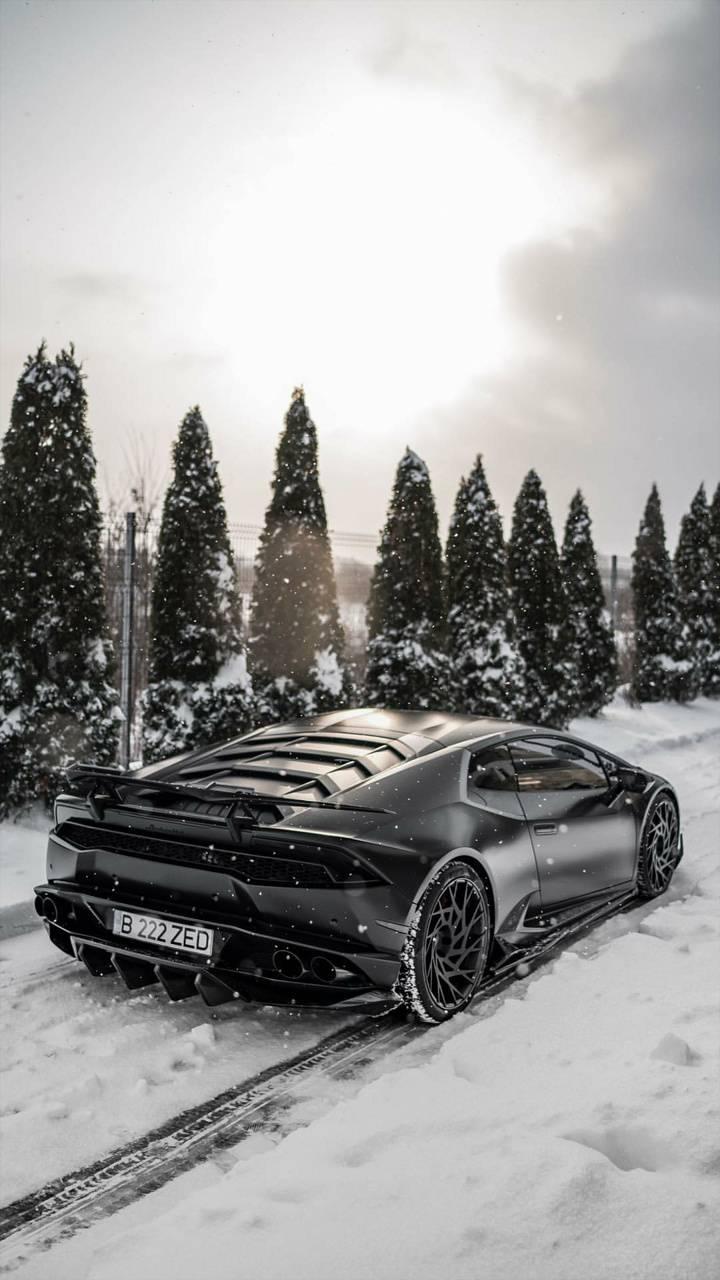 Snowy Huracan