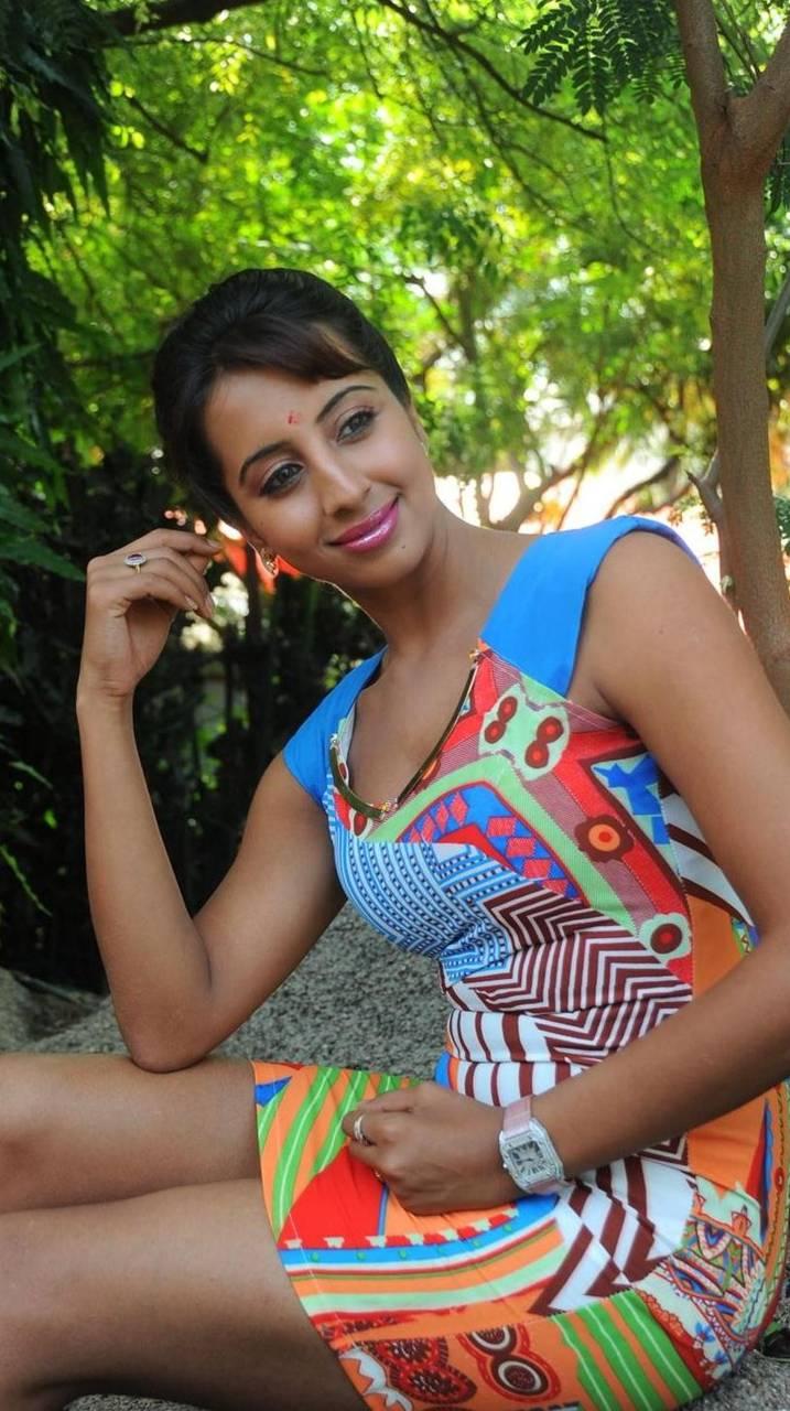 Sanjana Hot
