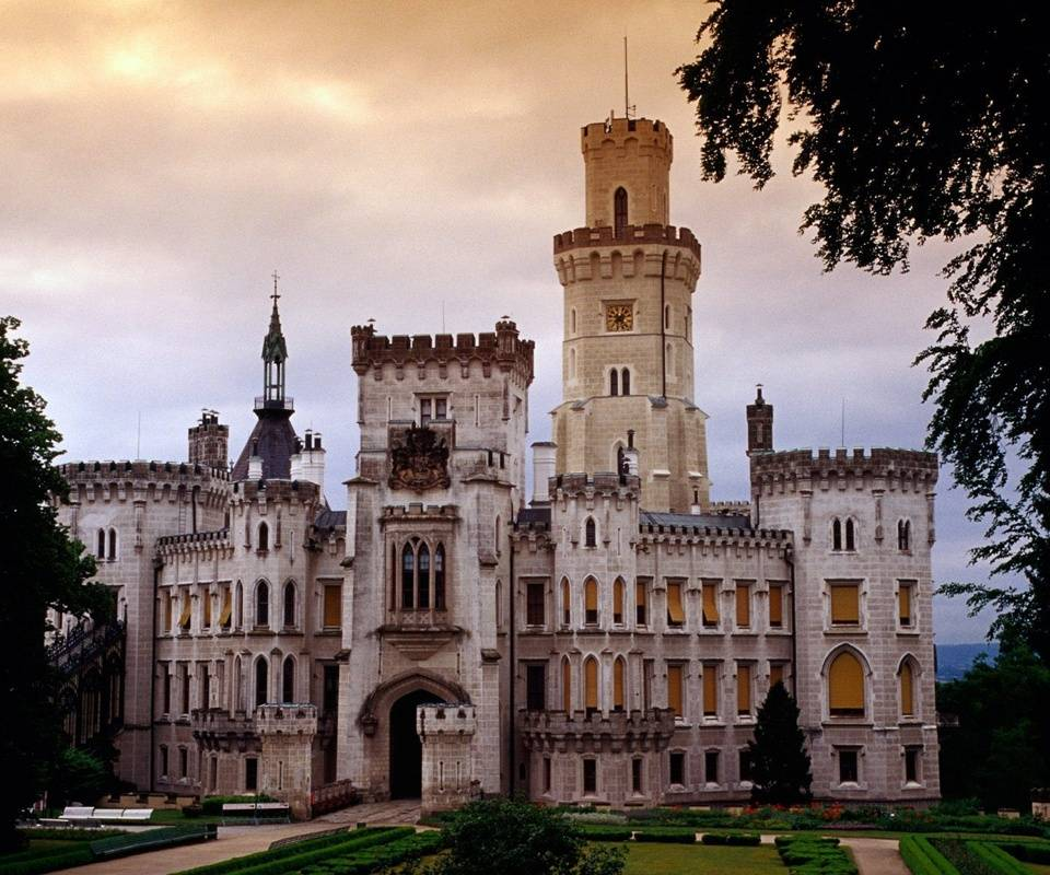 Hlukoka Chateau