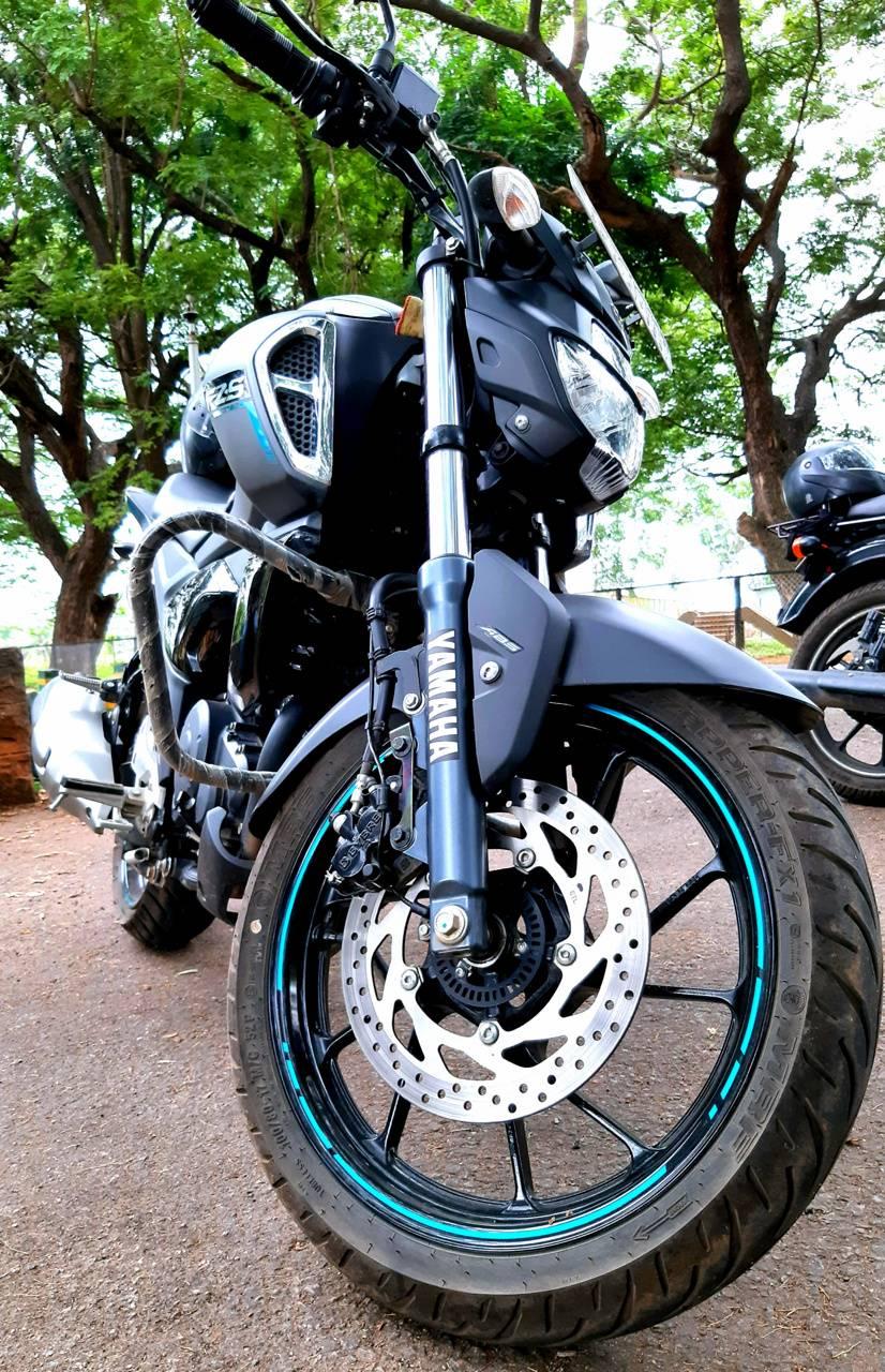 Fzs bike