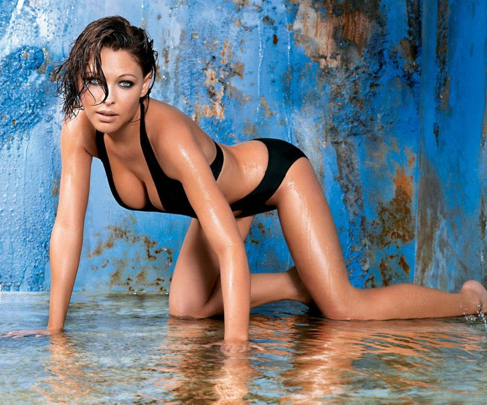 Bikini Girl 39