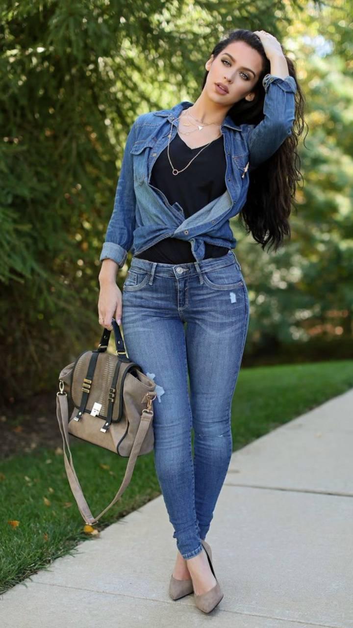 Carli in jeans