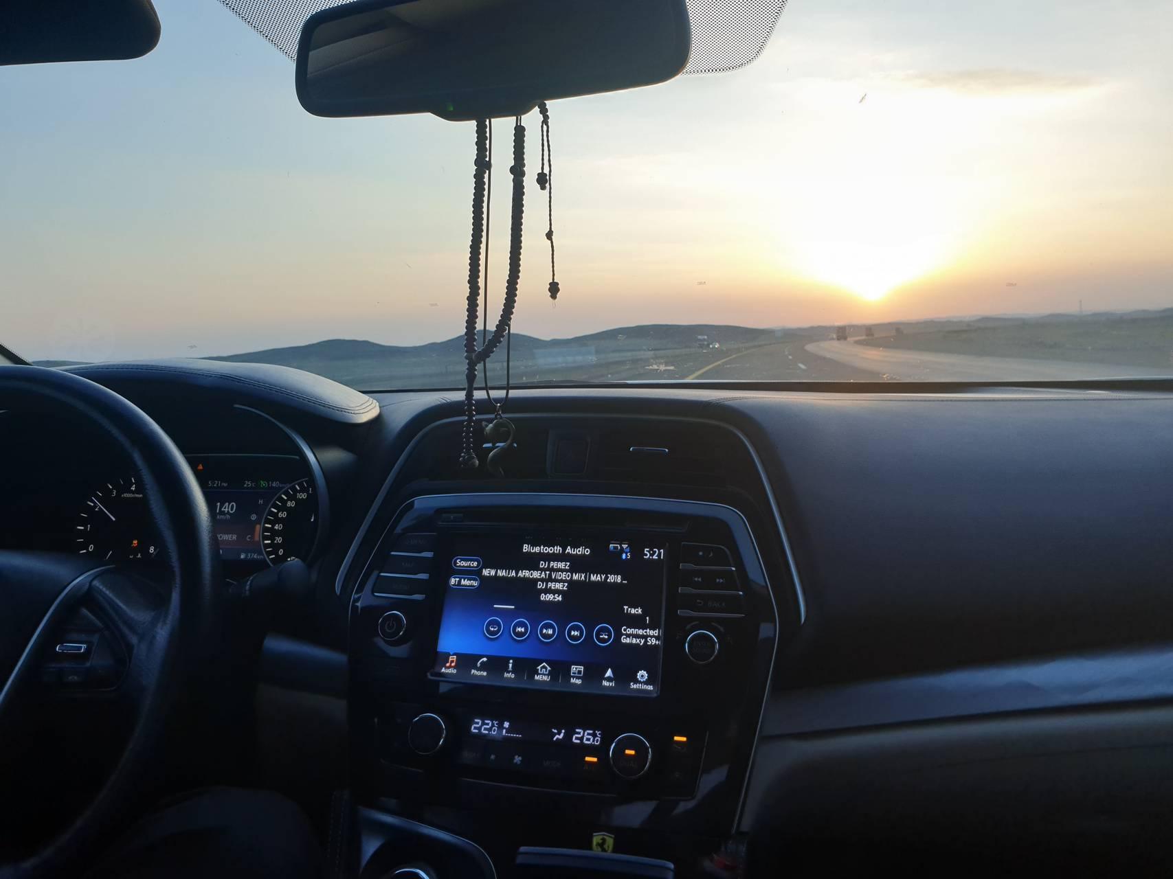 Nissan sunset