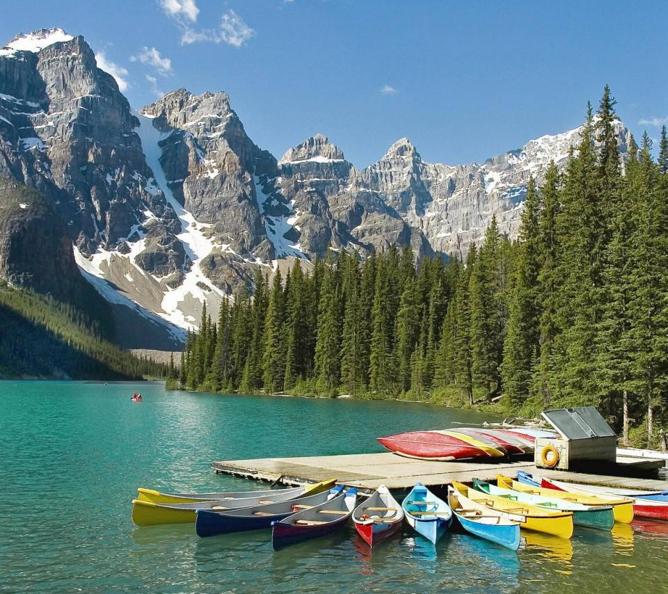 Moraine-Lake-Boat