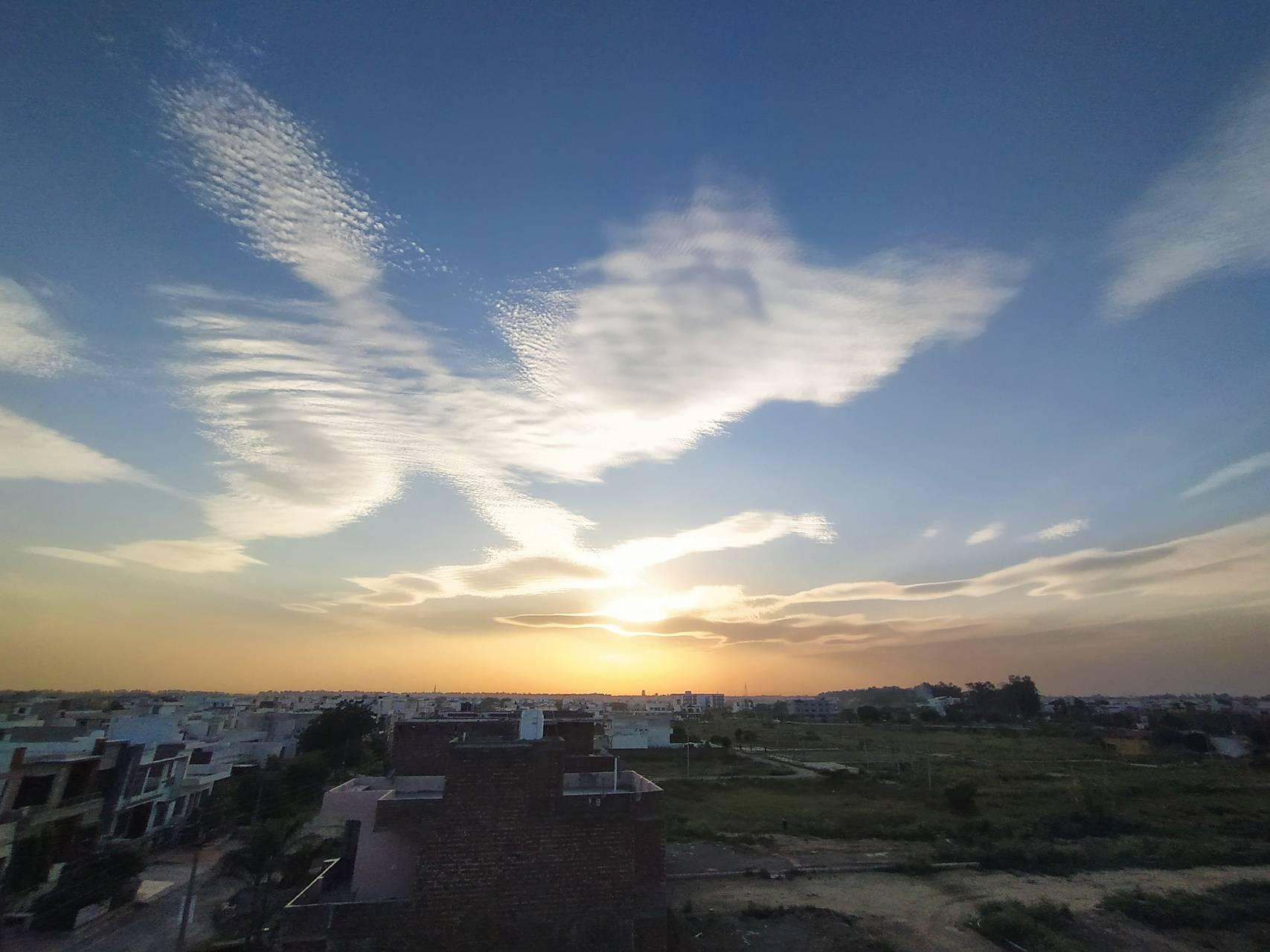 Wavey cloud
