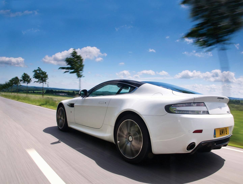 Aston Martin 2
