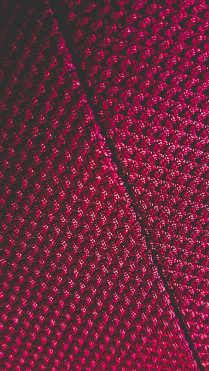 Red line pattern