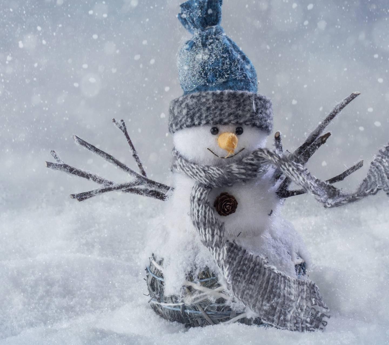 Snowing man