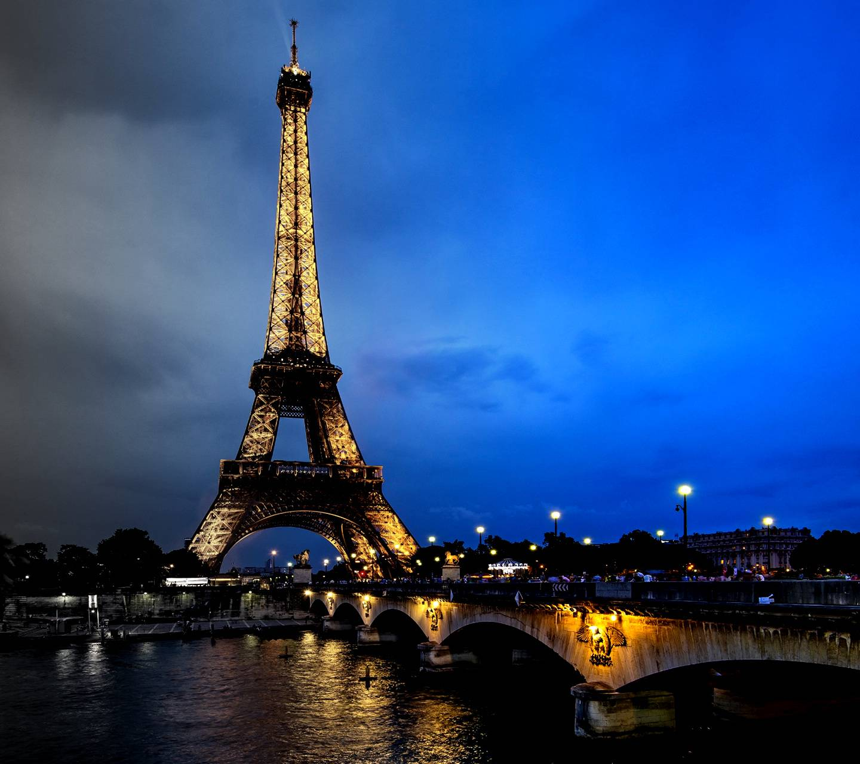 Night Paris