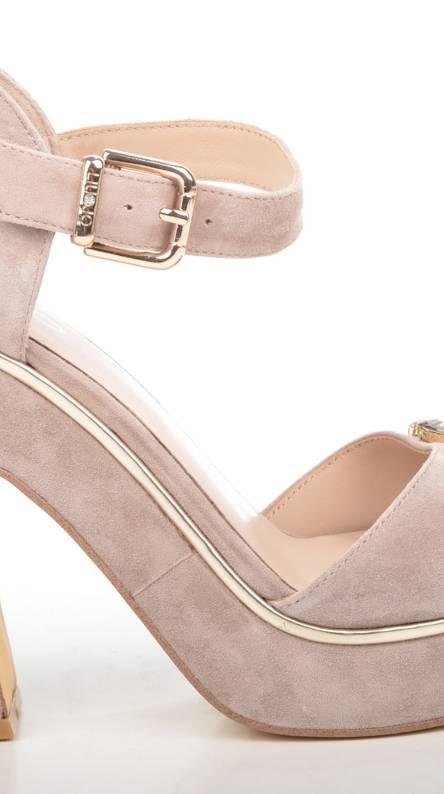 Selfish high heels Ringtones and Wallpapers - Free by ZEDGE™