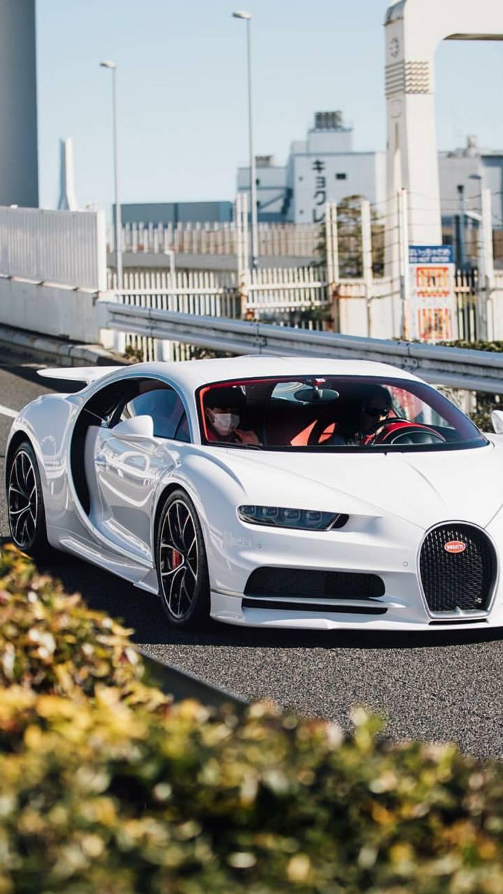 White Bugatti Chiron