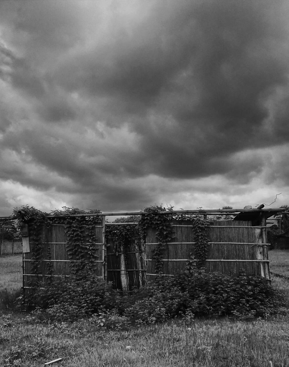 Cloudy hut