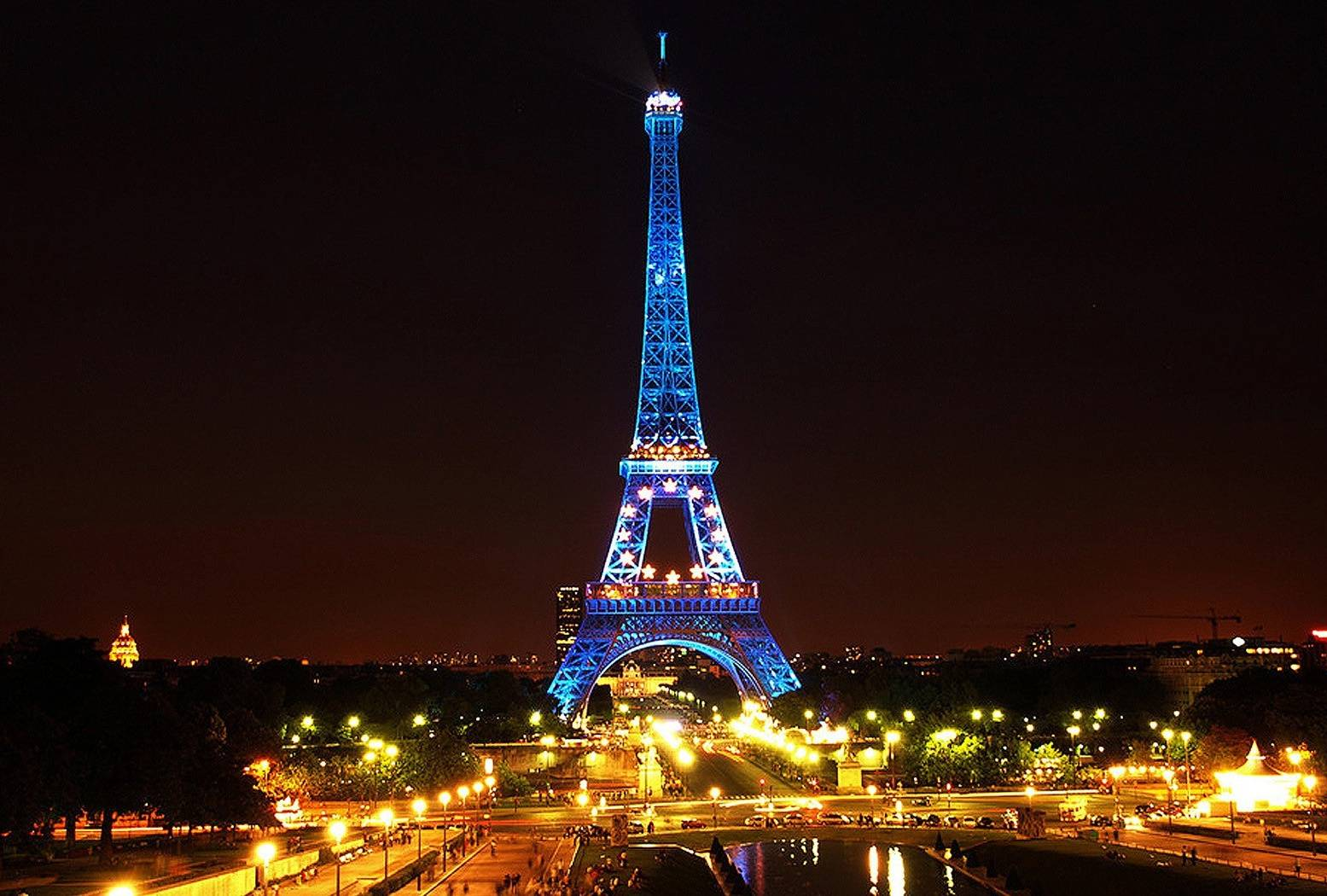Eiffel Tower-blue L8