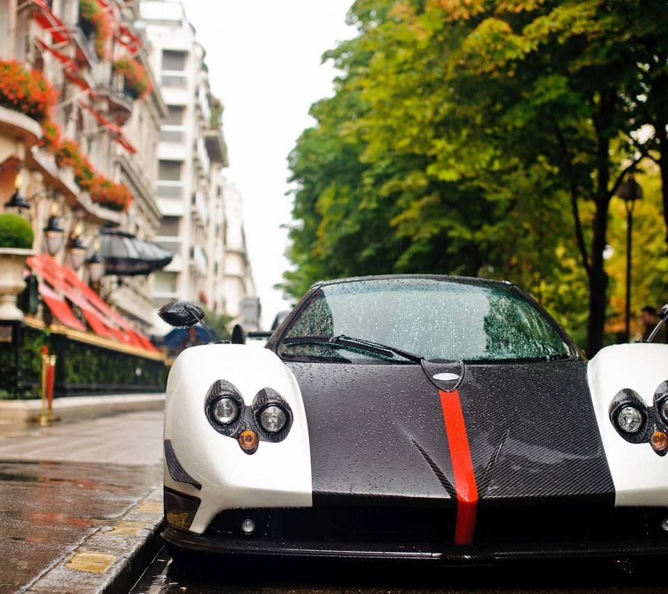 Super Koenigsegg