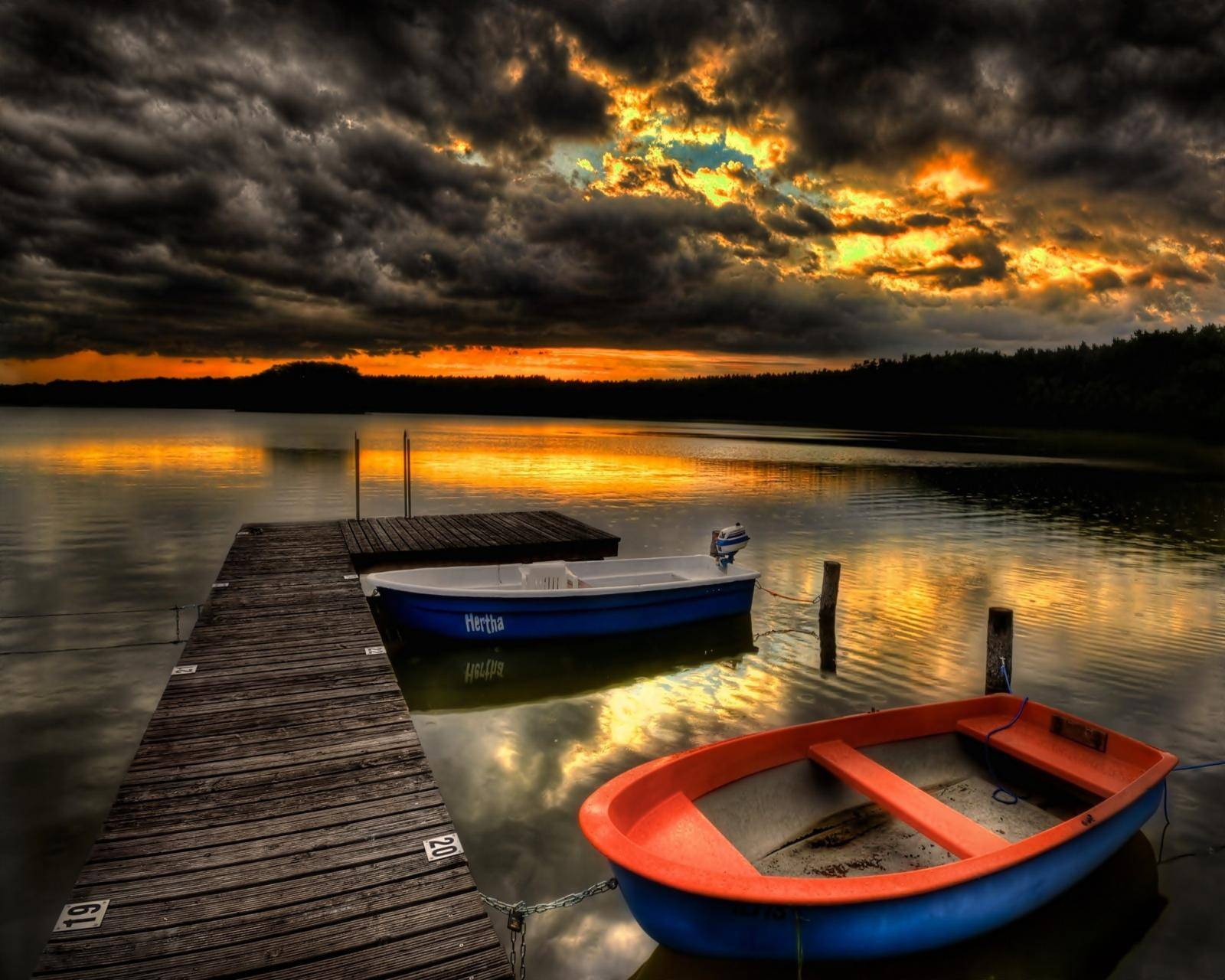 Pier Boats