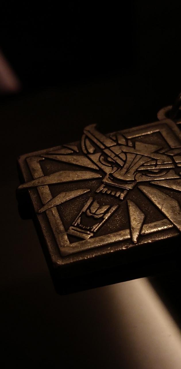 Witcher 3 medallion