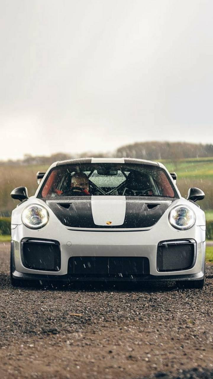 Porsche faceoff