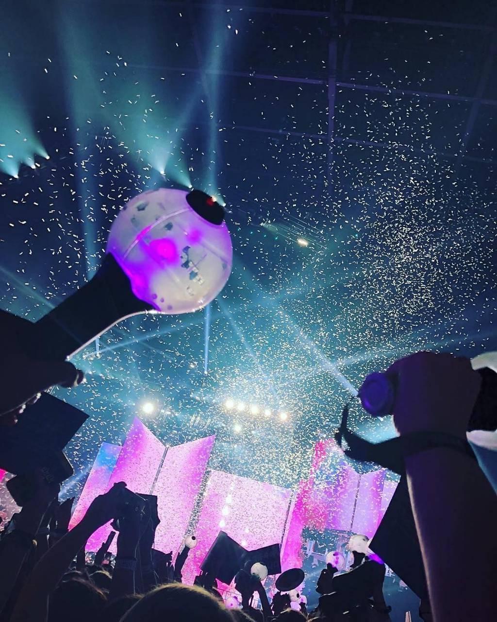 Wallpaper Iphone Bts Concert