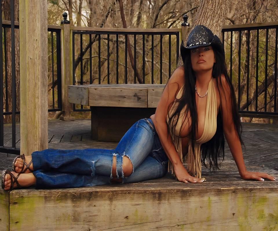 Smokin Cowgirl 2
