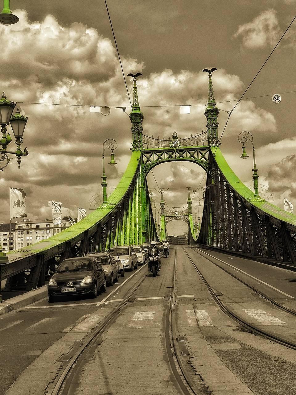 Bidapest gate