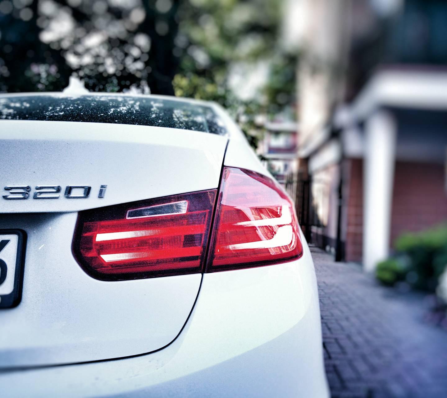 BMW 320i HD