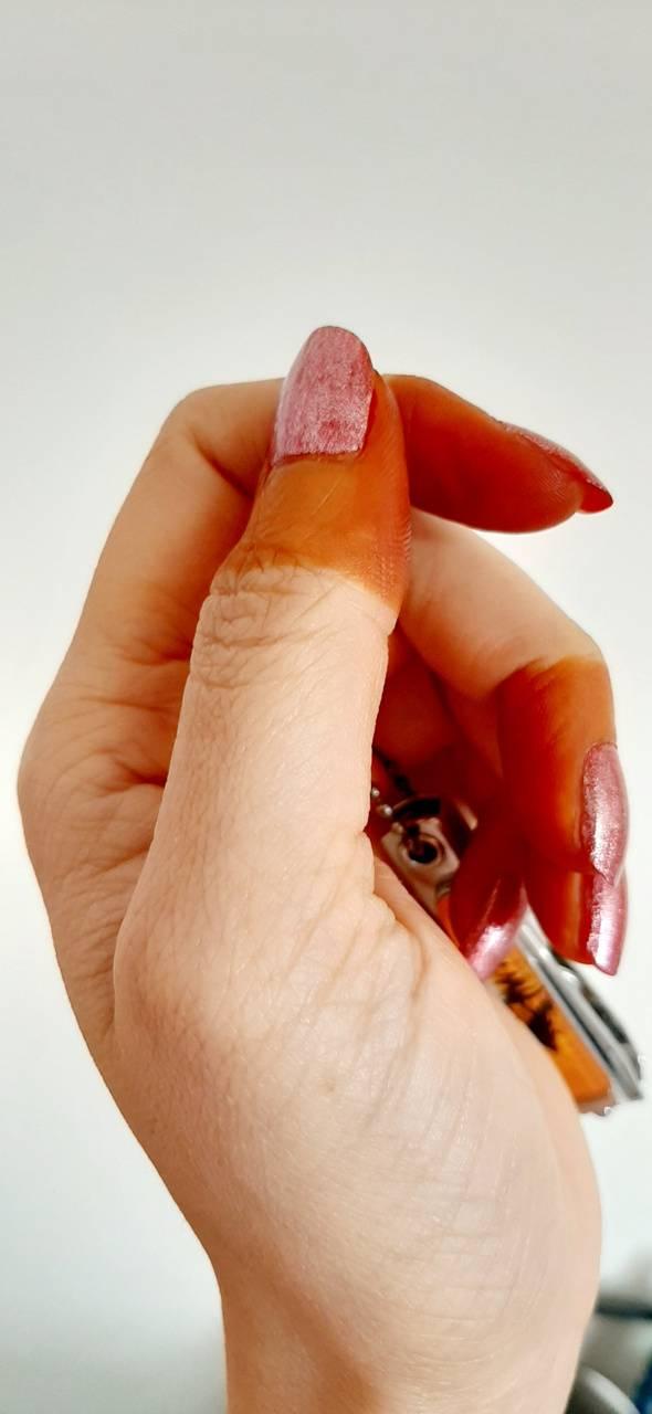 Nails Mehndi hand